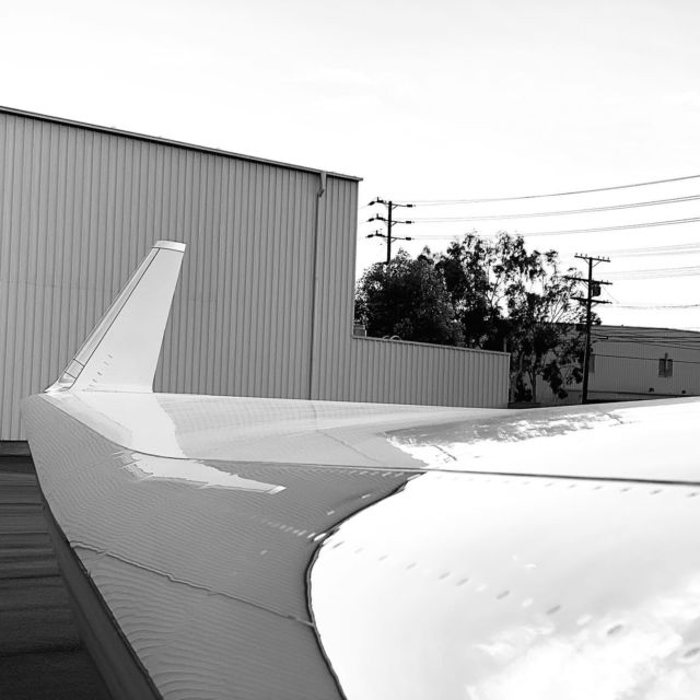 Perspective is everything. From this angle you'd never know the wingspan is nearly 100 feet long. #gulfstream550