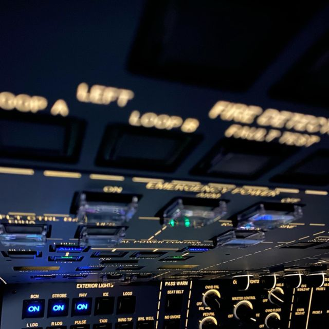 If there's one thing pilots love, it's buttons. And boy does the #gulfstream have a lot of them. (I even know what some of them do!)